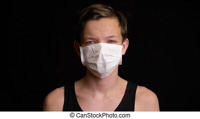 masque, porter, garçon, malade, sentiment