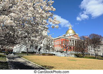 Massachusetts State House which is located in the Beachon ...