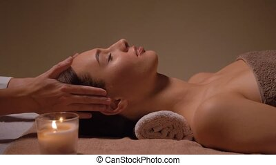 masseren, hebben, hoofd, gezicht, vrouw, spa