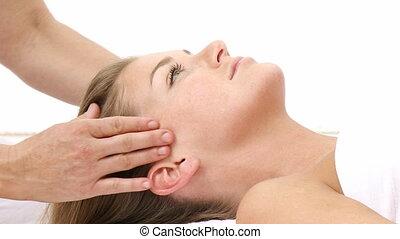 masseren, vrouw, hoofd, krijgen