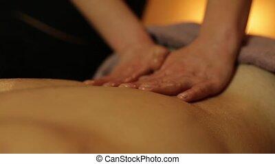 masseur, maakt, masseren, met, olie, voor, man