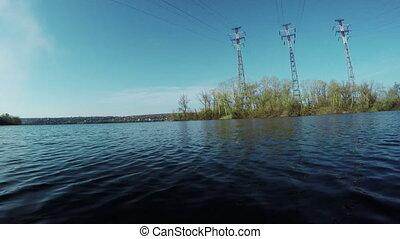 Mast power lines