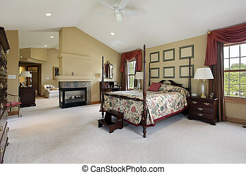Master bedroom with sitting room - Master bedroom with...