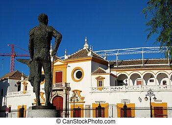 Matador statue & bullring, Seville. - The Bullring (Plaza de...