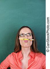 matita, pensieroso, donna, baffi