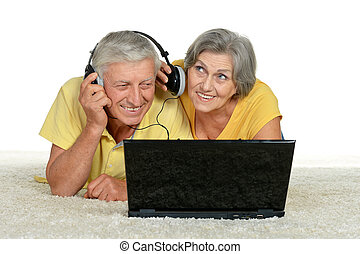 couple making video call