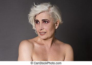 Mature naked woman