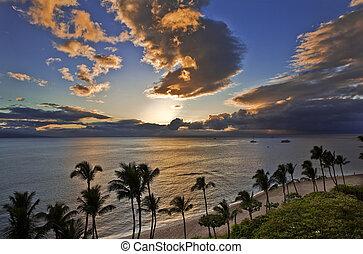 maui, praia, sobre, kaanapali, pôr do sol