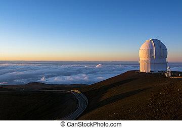 Mauna Kea Observatory - Keck observatory on Mauna Kea, at 14...