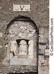 Mausoleo di Cecelia Metella Fachade detail in Via Appia ...