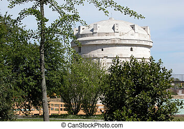 Mausoleo di Teodorico, Ravenna - Mausoleum of Theodoric (...