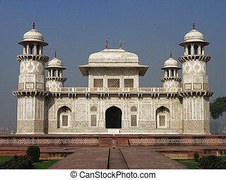 Mausoleum Itimad-ud-Daula in Persian fleet in Agra, Uttar ...