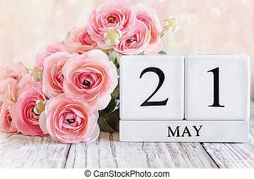 May 21 Calendar Blocks with Pink Ranunculus