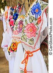 maya, mujer, vestido, bordado, yucatán, méxico