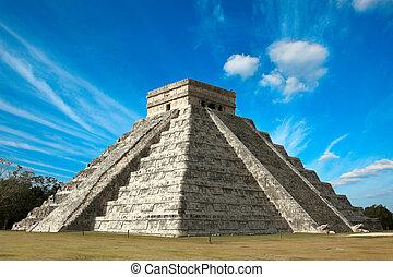 maya, pirámide, en, chichen-itza, méxico