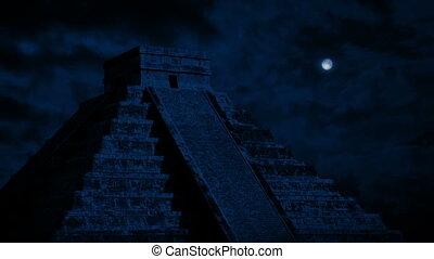 maya, temple, au-dessus, lune