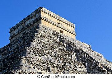Mayan Kukulcan El Castillo, Chichen Itza, Mexico