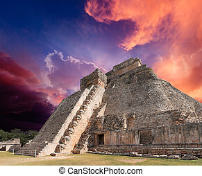 mayan, piramis, alatt, uxmal, mexikó