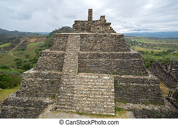 pyramid at the pre-Columbian ruins of Tonina in Chiapas -...