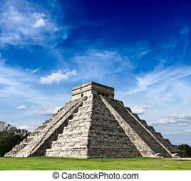 Mayan pyramid in Chichen-Itza, Mexico - Travel Mexico ...