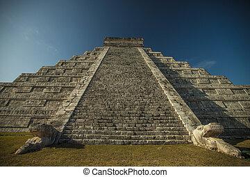 Mayan pyramid - Mayan Pyramid Chichen Itza - Yucatan...