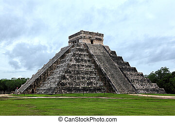 Mayan pyramid of Kukulcan