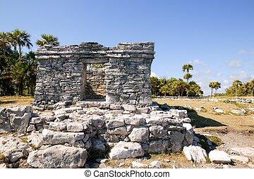 Mayan ruins at Tulum Mexico monuments