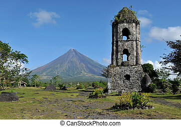 Mayon Volcano and the ruins of Cagsaua Church in the ...