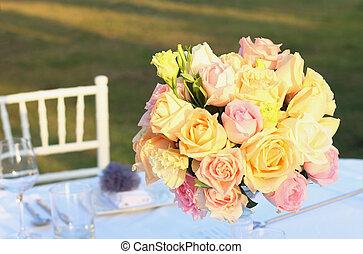mazzolino, decorazione, rose, matrimonio, tavola, arrangiare
