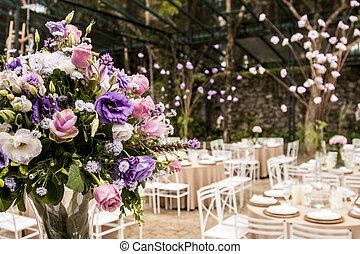 mazzolino fiori, in, uno, sala ballo, festa