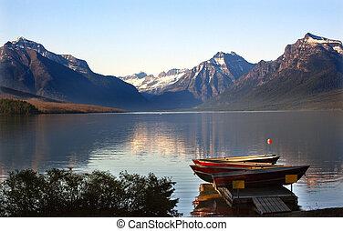 mcdonald, parco nazionale, lago, ghiacciaio, barche