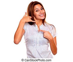 me, proverbe, pointage femme, jeune, appeler, sourire
