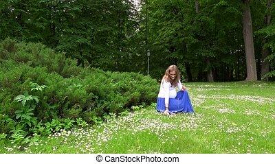 meadow., steadycam, mère, parc, qui attend, pâquerette, ...