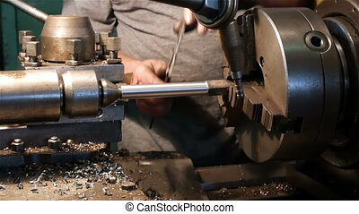 Measuring parts on a lathe