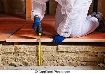 Measuring the thickness of thermal insulation