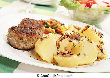 Meatballs with boiled potatoes