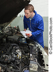 mecánico del coche, preparando, lista de verificación