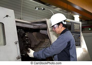 mecánico, técnico, de, cnc, máquina