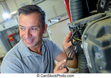 mecânico garagem, feliz, macho