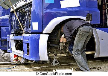 meccanico, assistenza, di, uno, camion, di, corsa