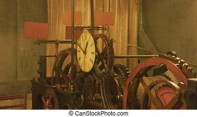 mechanism., oud, klok