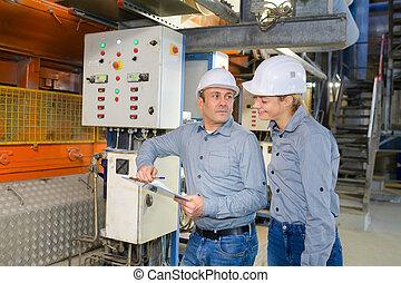 mechanisme, werkmannen , fabriek, het werken