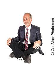 medelålder, mal, sittande, på, floor.