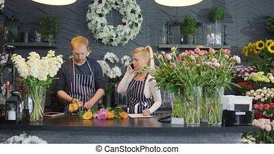 medewerkers, in, floral, winkel