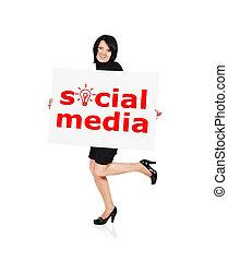 media, towarzyski