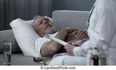 medicaments, vieux, docteur, malade, lit, prescrire, femme, maison, mensonge, homme