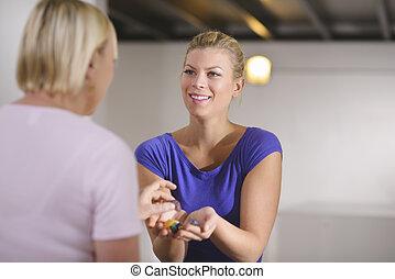 medicina alternativa, dolor, curación, y, mujeres, joven,...