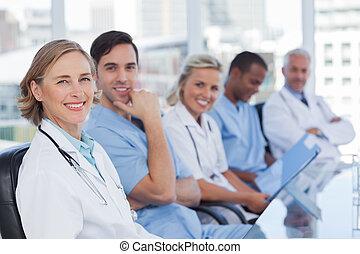 medicinsk hold, ind, række