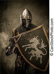 medieval, cavaleiro, com, espada, e, escudo, contra, parede...