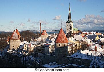 medieval, cidade velha, de, tallinn, em, inverno